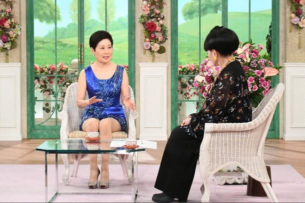 現在70歳の黛ジュンがミニスカート姿で登場! 歌手人生や三木たかし ...