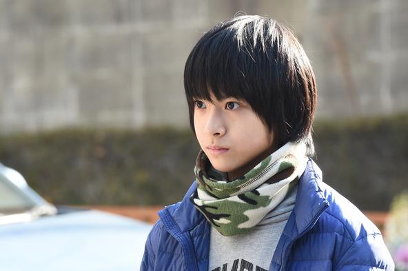 香取慎吾主演「家族ノカタチ」第2話では浩太(高田彪我)に引き取り話が持ち上がり・・・ (c)TBS