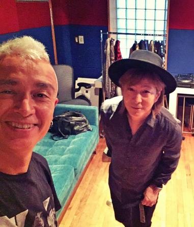 20周年プロダクト「Remode 2」を8月3日にリリースするglobeの小室哲哉、マーク・パンサー