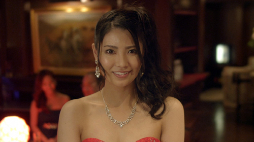 倉持明日香主演「OLですが、キャバ嬢はじめました」第4話 (c)鏡なな子/ドラマ「OLですが、キャバ嬢はじめました」制作委員会・MBS