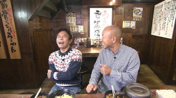 12月8日放送『浜ちゃんが!』に出演する、浜田雅功(左)、小峠英二(バイきんぐ)(右)【1】 (c)ytv