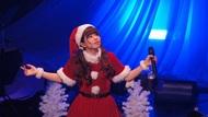 春奈るながミニスカサンタ姿で熱唱 クリスマスライブでニューリリース&デビュー5周年記念ライブ開催を発表