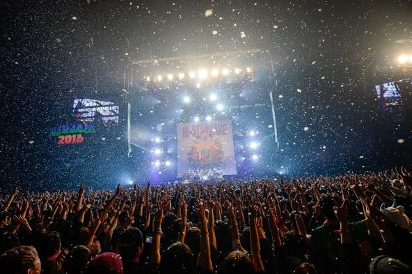 万感の「AIR JAM 2016」、約3万6千人の観客とともに伝説となったステージをレポート