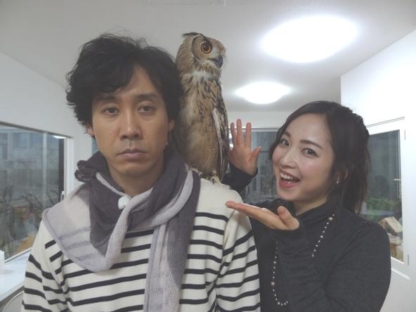 1月15日(日)放送「1×8いこうよ!」より、大泉洋と大慈弥レイ(STVアナウンサー) (c)STV