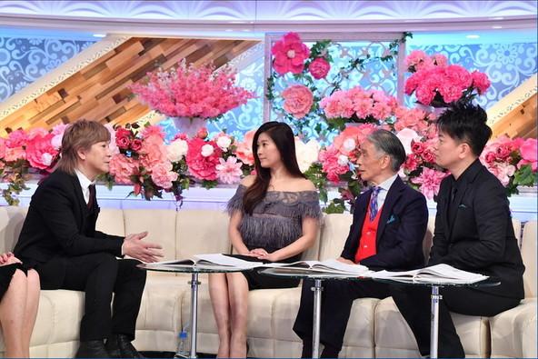小室哲哉(写真左)と約20年ぶりに対面した篠原涼子(左から2番目) (c)TBS