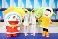 平井堅、『映画ドラえもん』の主題歌をテレビ初披露 生歌に合わせて織田信成&浅田舞がダンス