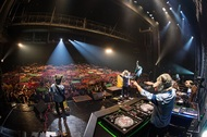 MAN WITH A MISSION、ツアー追加公演は岩手県の商業施設! 対バンには盟友10-FEET