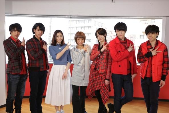 3月19日放送「MAG!C☆PRINCEのマジ☆弟子」に出演する、夏まゆみ、飯田圭織、マジプリメンバー (C)テレビ東京