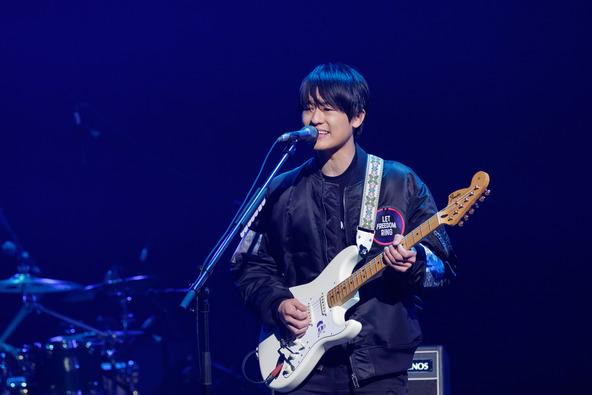 尾崎裕哉が「SONGS」で新曲&尾崎豊の名曲を熱唱、なぜ父と同じ道を歩もうと思ったのかを紐解く