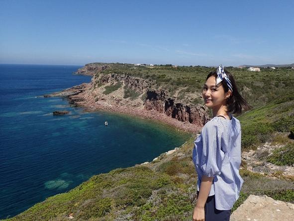 『世界ふしぎ発見!』サルデーニャ島には世界の観光客が憧れる美しい海が広がる。ミステリーハンターは福間文香。 (c)TBS