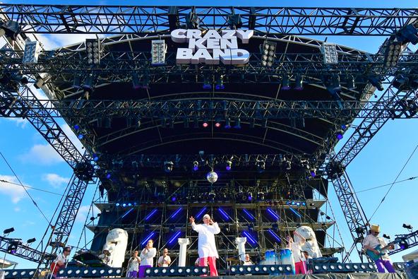 クレイジーケンバンドが結成20周年を記念したツアーを開催!豪華ゲストを迎えた地元・横浜赤レンガ公演を放送