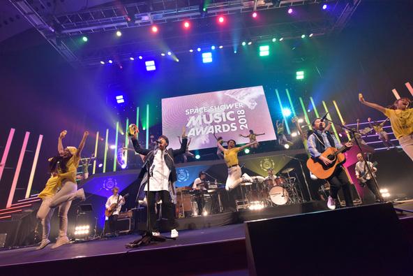 2017年を代表する最優秀アーティストはゆず!星野源、ハイスタ、DAOKOらが主要賞のスペシャ「MUSIC AWARDS」