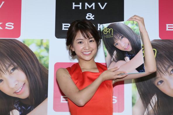 """""""かわいすぎるスポーツキャスター""""中川絵美里が、誕生日に""""100点満点""""の1st写真集を発売!「筋肉をもっとつけたい」"""