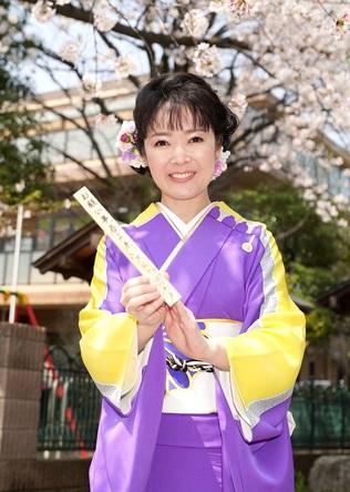 田川寿美が花びら舞う桜神宮で新曲「春よ来い」のヒット祈願!ムービー公開