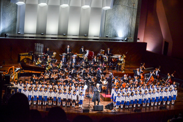 玉置浩二、オーケストラとともに熱唱「愛を熊本のために」