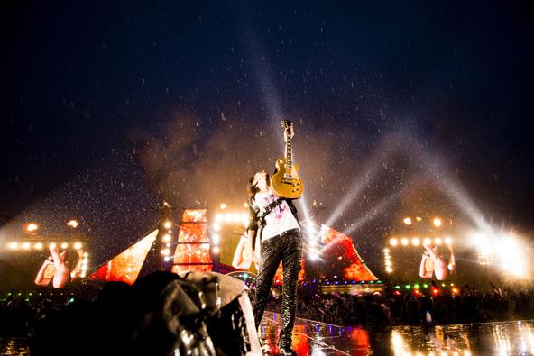 """今夏開催されるGLAY函館野外ライブの""""原点""""、2013年の緑の島のライブを放送決定!5年前の興奮と伝説が蘇る"""