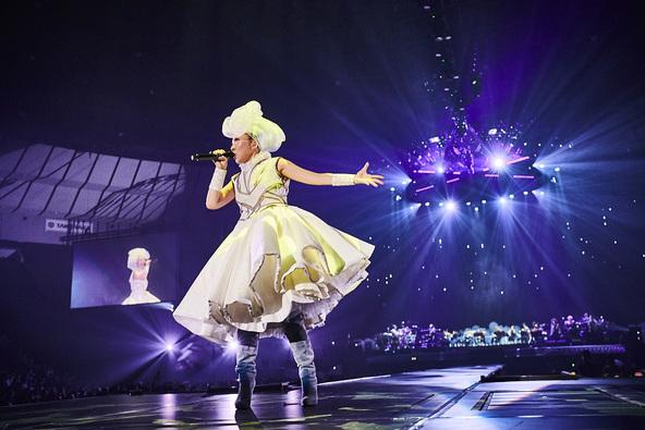 MISIA「この20年で今この瞬間がサイコー!」菅原小春や黒田卓也も登場した20周年記念公演ライブがいよいよ放送