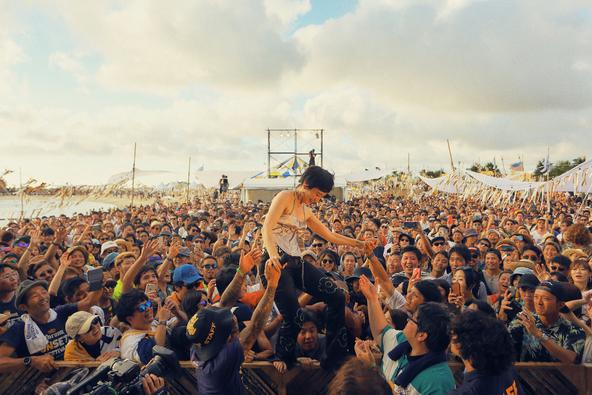 16,000人が熱狂!水曜日のカンパネラ、平井大、Nulbarichらが出演「CORONA SUNSETS FESTIVAL 2018」