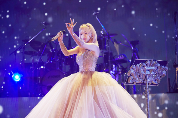 """浜崎あゆみ、""""音楽の力""""という歌姫の想いをツアータイトルに再度掲げてスタートする20年目の真意とは…"""