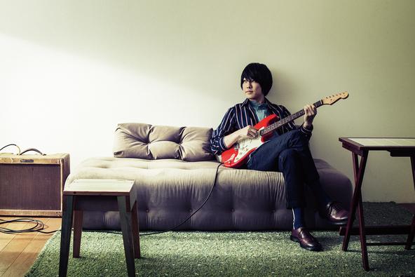 """山内総一郎(フジファブリック)がシグネイチャーモデル購入者のギターに直筆で「魂」を込める""""入魂式""""が開催決定"""