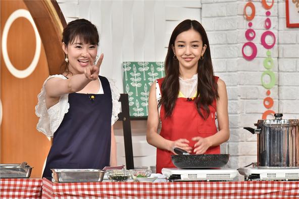 『メレンゲの気持ち』村上佳菜子、板野友美 (c)NTV