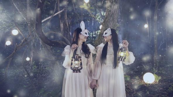 ClariSの2人が仮面をつけて初めて登場!ニューシングル「CheerS」MV公開&先行配信もスタート