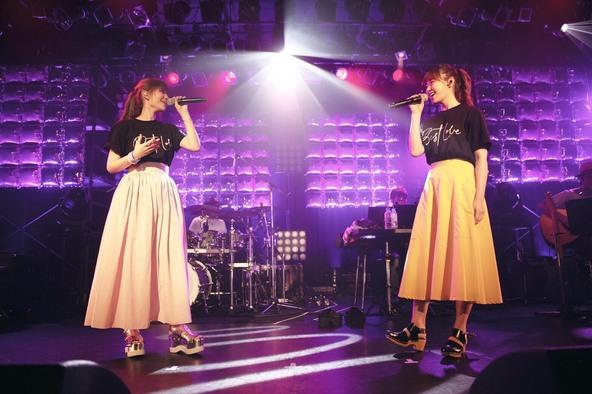 MACO「最高で最幸な一日でした」一夜限りのプレミアムワンマンライブに大親友・鷲尾伶菜(E-girls / Flower)もサプライズ登場