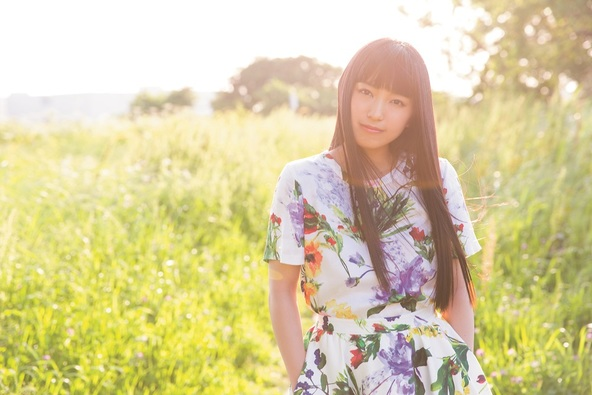 miwa、2018年前半を彩った武道館公演2DAYSとアコギ弾き語りツアー横浜アリーナ公演の映像を豪華パッケージ