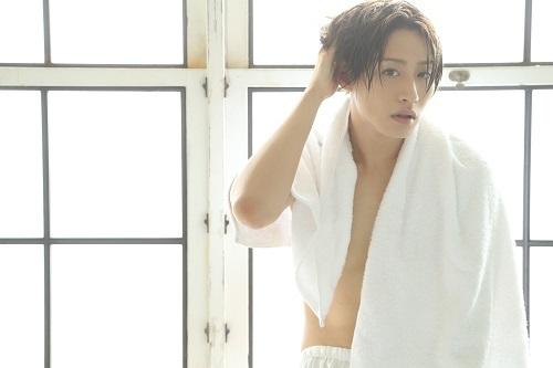人気俳優・前山剛久が初の写真集発売「ようやく叶った『夢』の写真集」完全セルフプロデュースで華麗に変化!