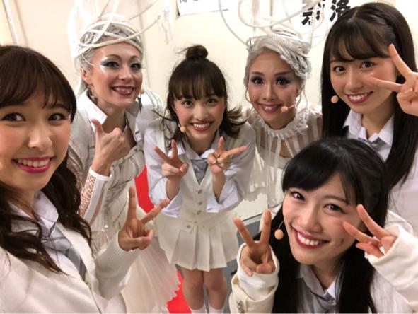 佐々木彩夏、ももクロ主演ミュージカル舞台裏での写真を公開!高城れにとの制服2ショットも