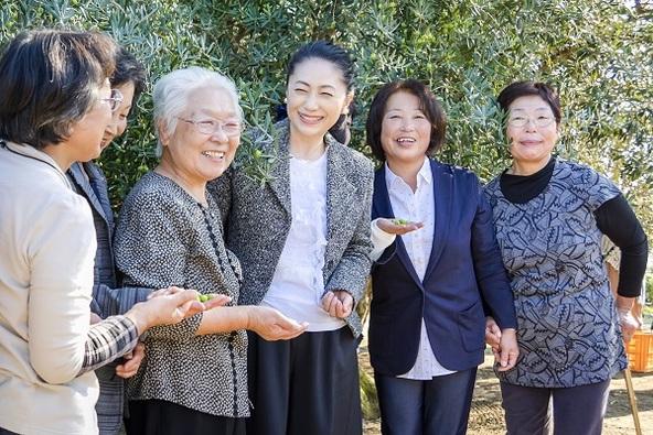 石川さゆりさんご来島『香川県・小豆島オリーブ植栽110周年記念収穫祭』開催 (1)