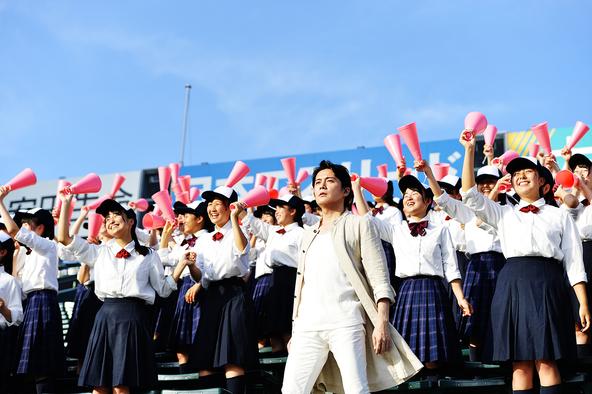 福山雅治の冬の恒例行事「福山☆冬の大感謝祭」から大みそかに行なわれるカウントダウンライブが生中継決定!