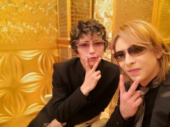 『YOSHIKI効果』が大爆発!GACKTと共に出演した「格付け」で特定されたお菓子が売り切れ続出