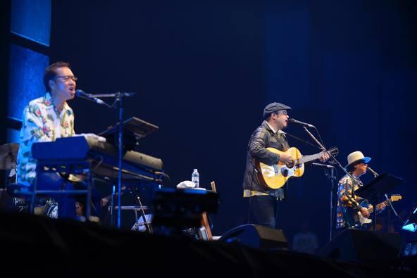 BEGIN、平成最後のカウントダウンライブで新年をお祝い!モンパチ・HYら沖縄出身アーティスト、4200人の観客と大合唱