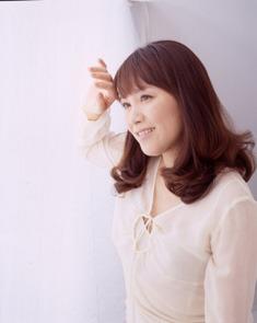 「となりのトトロ」でおなじみ、井上あずみのデビュー25周年を記念したミニアルバム&名曲コンサートが開催