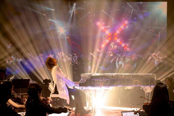 YOSHIKI、「SONGS OF TOKYO」での圧巻パフォーマンスに世界中から涙と感動の声「魂の演奏に泣きました」
