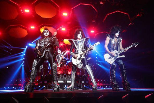 KISSが火を吹き空を飛ぶ! 4年ぶり最後の来日公演『END OF THE ROAD WORLD TOUR』がスタート (c)撮影=齋藤霊一