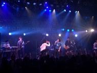 石崎ひゅーいの対バンツアーが開幕! 小山田壮平とのコラボ披露で大盛況!