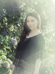 声優・桑島法子が新曲や初CD化曲も含む20周年ベストをリリース、12月には記念ライブの開催も