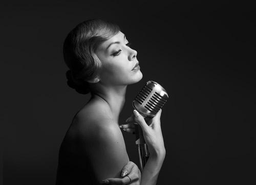 土屋アンナ、本質に迫る裸のビジュアルを披露! 洋楽カヴァーアルバムの全貌が明らかに