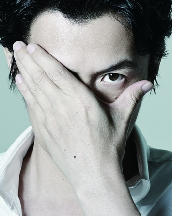 大根仁監督の映画『SCOOP!』で中年パパラッチを演じる福山雅治