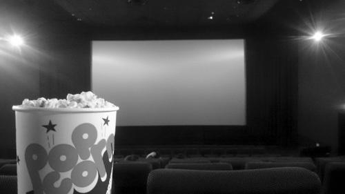 私が映画館主だったら? イタい大人が登場するイタ可笑しい映画の2本立て
