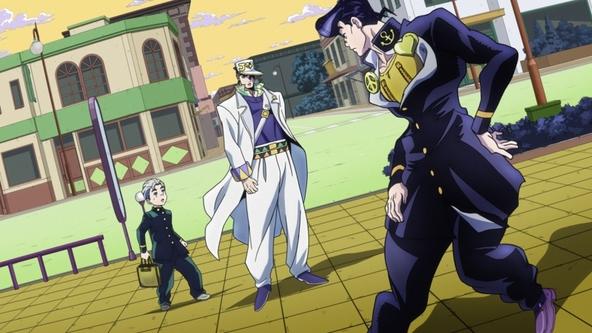 TVアニメ「ジョジョの奇妙な冒険 ダイヤモンドは砕けない」第1話にて3部主人公・空条承太郎と4部主人公・東方仗助が邂逅