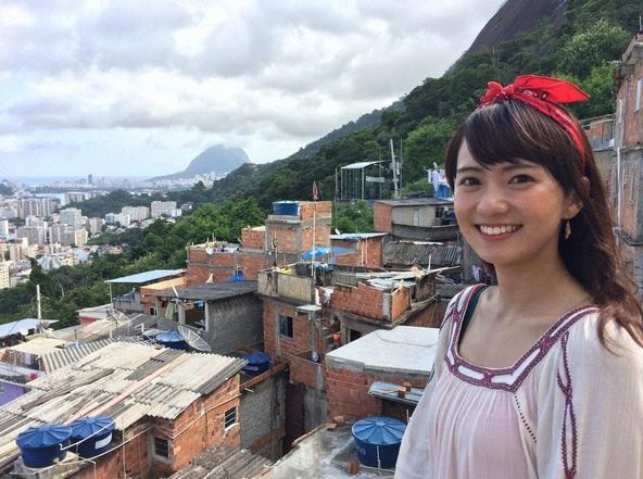 『世界・ふしぎ発見!』リオデジャネイロのファベーラ地区からリポートするミステリーハンターの鉢嶺杏奈 (C)TBS