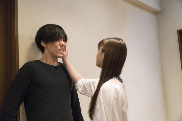 野田洋次郎(RADWIMPS)主演「100万円の女たち」第4話 (c)青野春秋・小学館/「100万円の女たち」製作委員会
