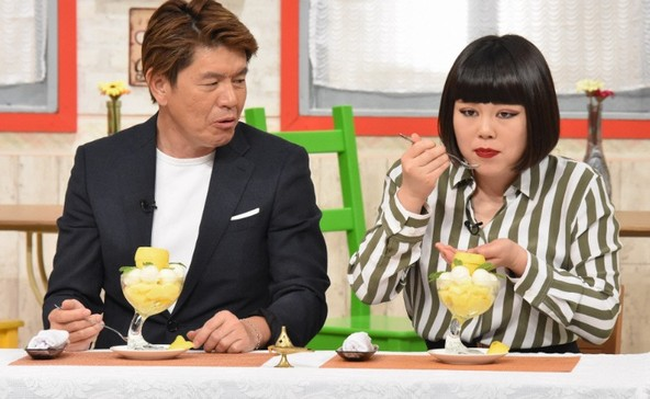 『ぐるぐるナインティナイン左から』ヒロミ、ブルゾンちえみ (c)NTV