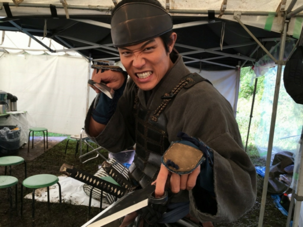 鈴木亮平が公開した『忍びの国』撮影オフショット(1)