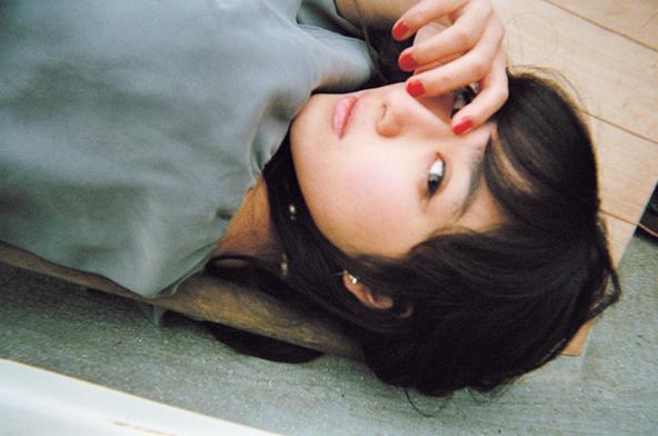 「女優×写ルンです×写真家」がコラボレートしたこれまでにないオムニバス写真集が完成! 森川葵、永野芽郁など、今、話題の豪華若手女優たち9人が登場!