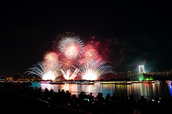 """""""東京花火大祭〜EDOMODE〜""""初開催!日本トップクラスの花火に約12,000人が大歓声、史上初の歌舞伎との共演も"""
