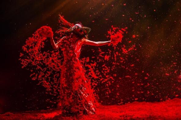 『ヤン・リーピンの覇王別姫 ~十面埋伏~』が2019年2月に上演、中谷美紀がナレーションを行う特別番組も放送